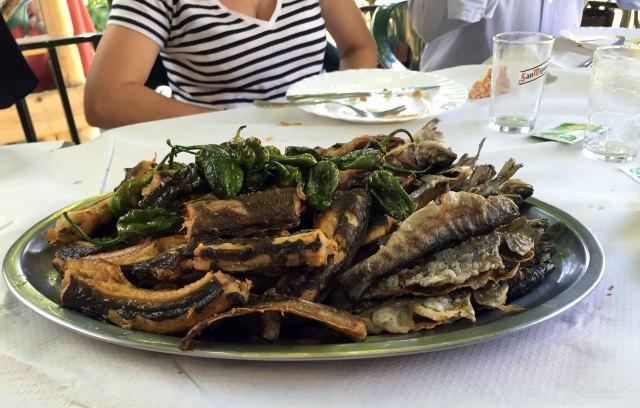 Anguilas y truchas fritas del Restaurante los Pescadores, Sobrado
