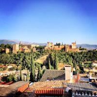 5 bares imprescindibles para ir de tapas por Granada y 3 de postre