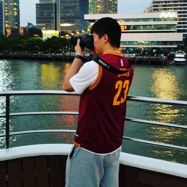 oh well, farewell #cavs #23 jersey. (Wear it all day long yesterday while walking around in Shanghai) now it become history