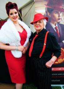 Glamourous vintage pin-up model, Miss Scarlett Luxe with the co-owner of Vintage Hair Lounge, Gloria Holloway. ©Come Step Back In Time