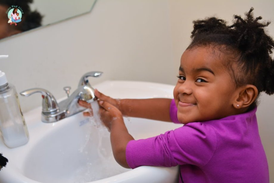 5 Ways My Toddler Shows Independence