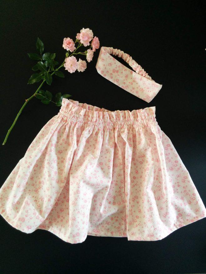 Færdige nederdel med matchende pandebånd