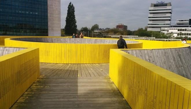 Rotterdam's crowdfundet gule gangbro