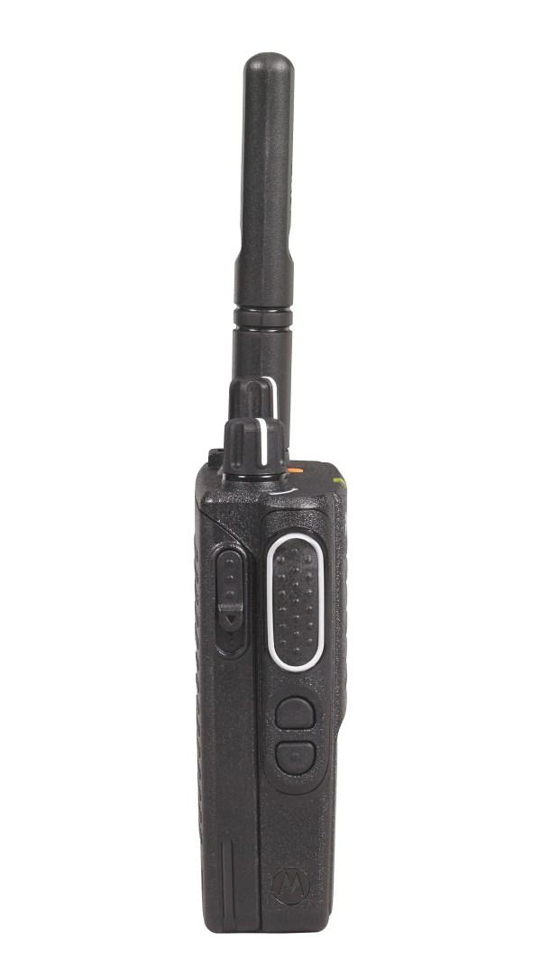 Motorola DP3441E | Zijkant | Comfective.nl