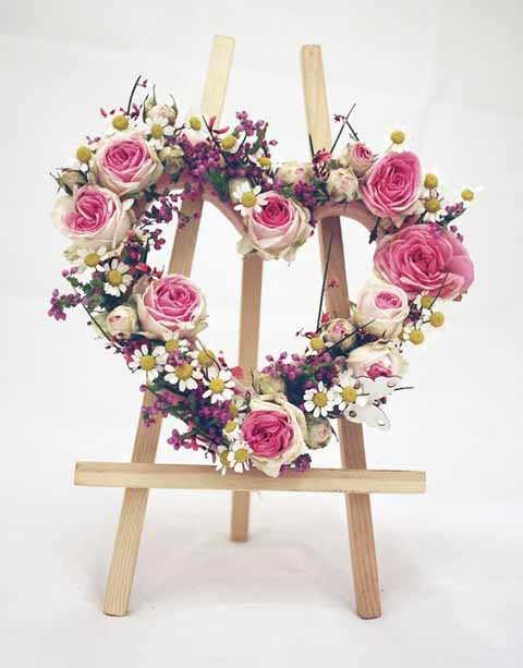 Serdce iz zhivyh cvetov