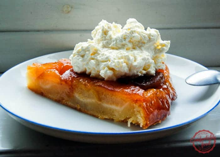 A recipe to make traditional Tarte Tatin.