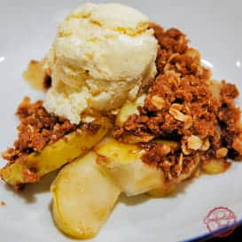 A very quick and simple apple crisp recipe.