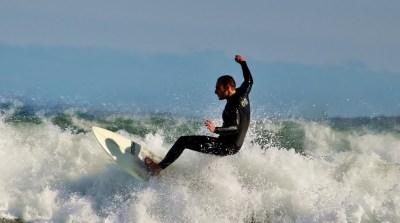 サーフィンでのバランス感覚を高めるトレーニング ローラーコースター