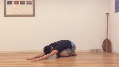 疲労回復には背中呼吸
