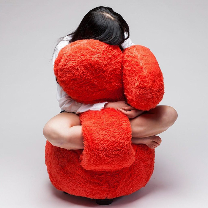 Free Hug Sofa by Lee Eun Kyong