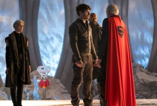 """KRYPTON -- """"The Phantom Zone"""" Episode 110 -- Pictured: (l-r) -- (Photo by: Steffan Hill/Syfy)"""