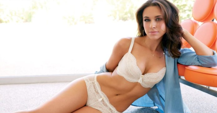 57 Lacey Chabert Sexy Pictures Will Make You Addicted To Her Beauty