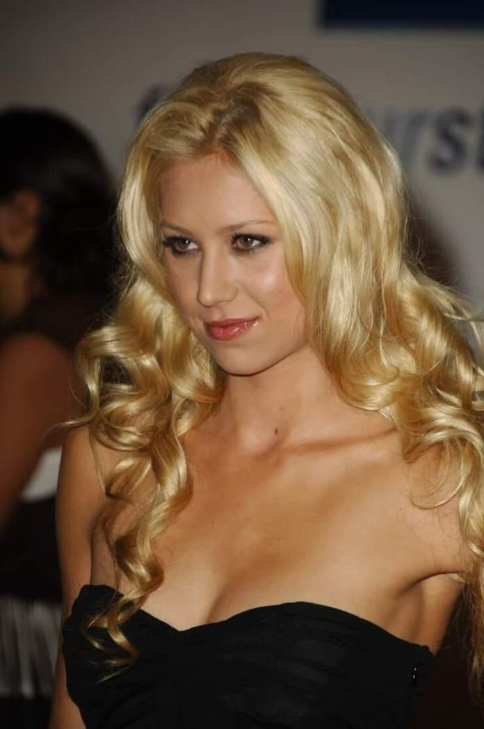 62 Anna Kournikova Sexy Pictures Prove She Is A Goddess On