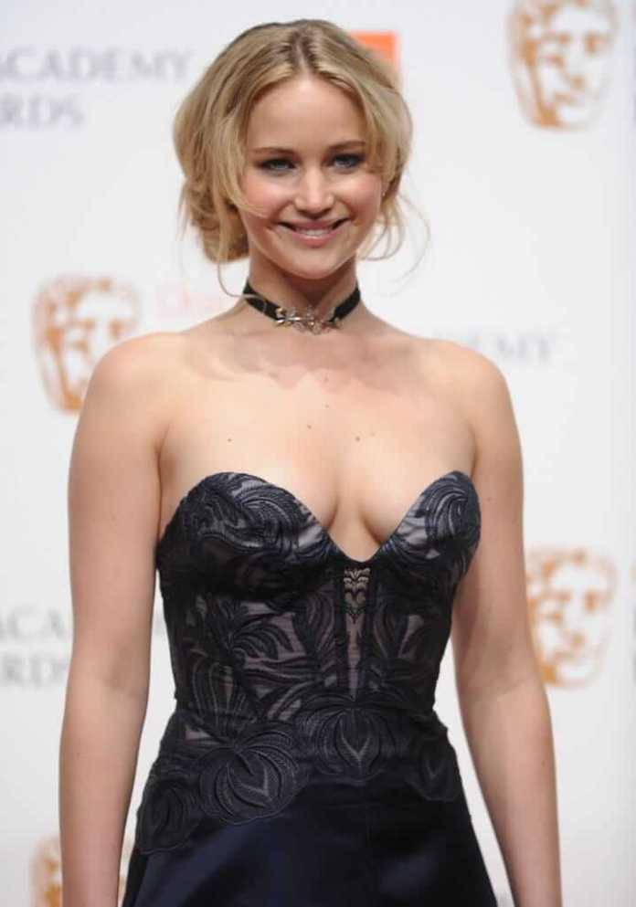 jennifer lawrence boobs