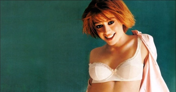 61 Alyson Hannigan Sexy Pictures Will Make You Skip A Heartbeat