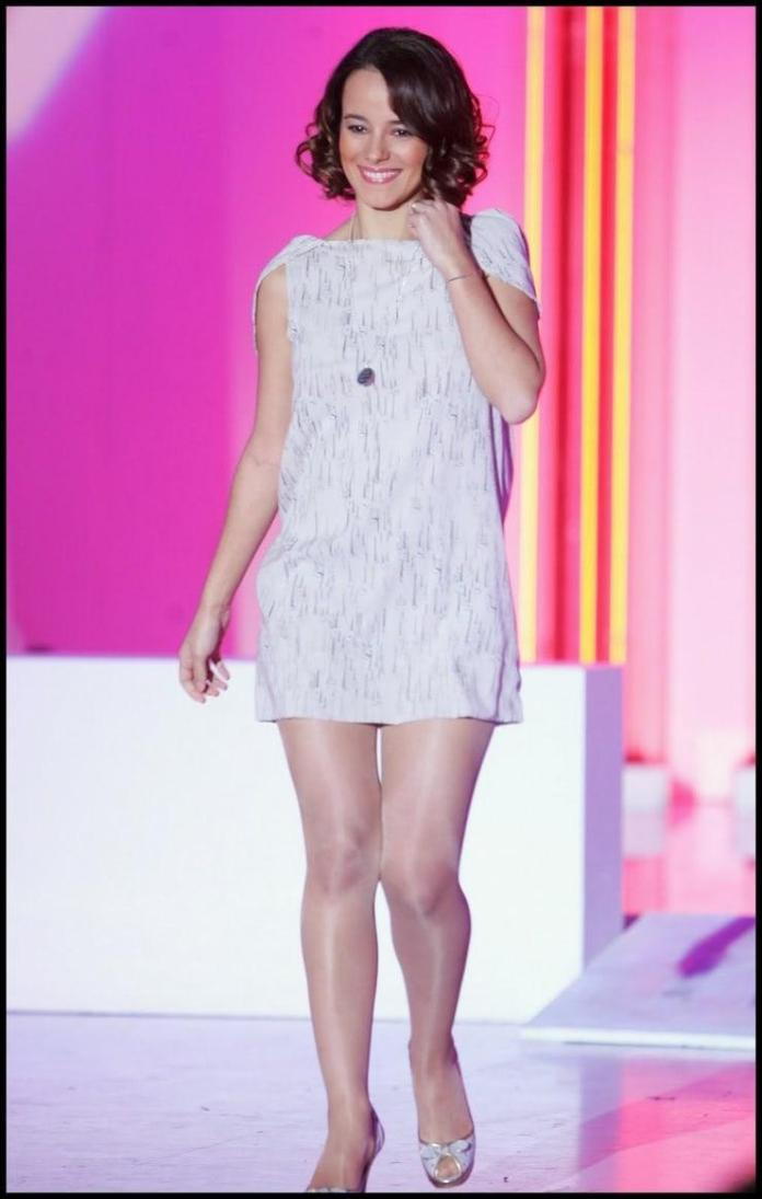 Alizée sexy look