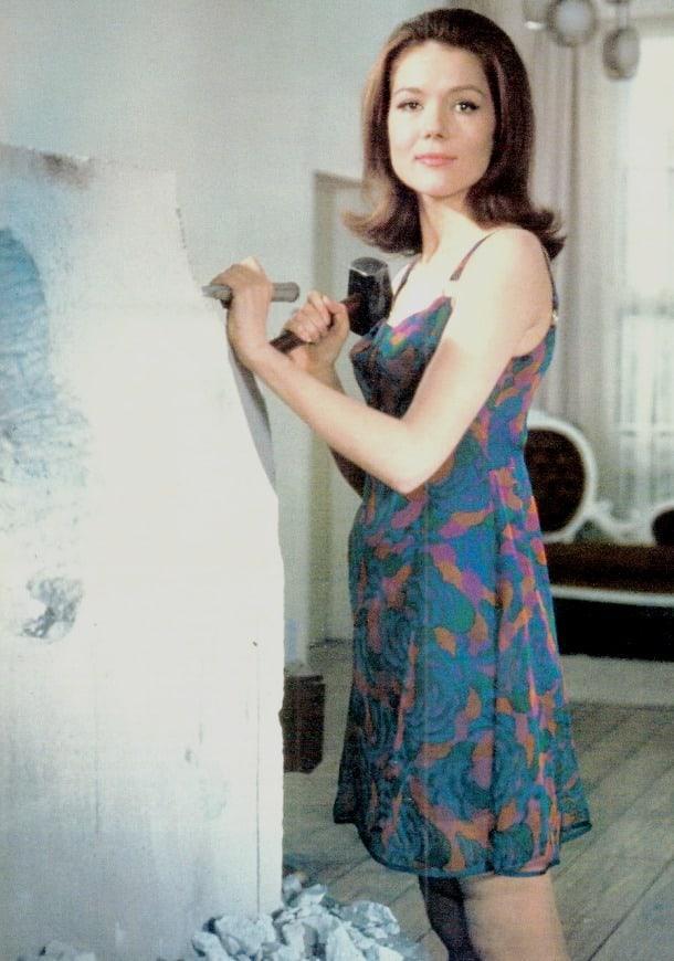 Diana Rigg hot look