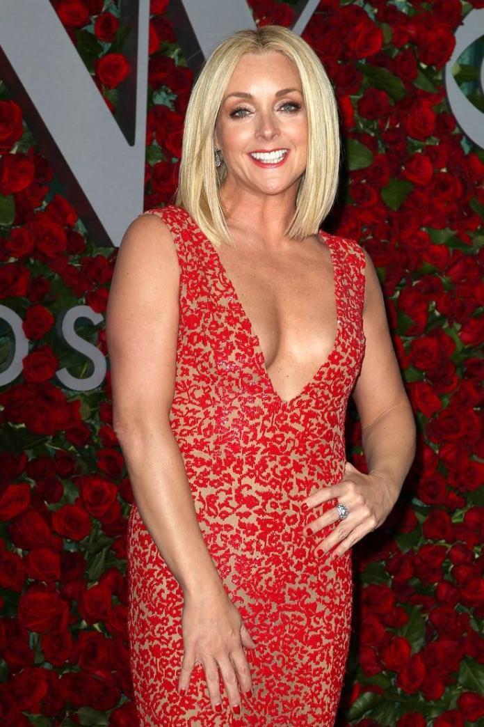 Jane Krakowski sexy pic