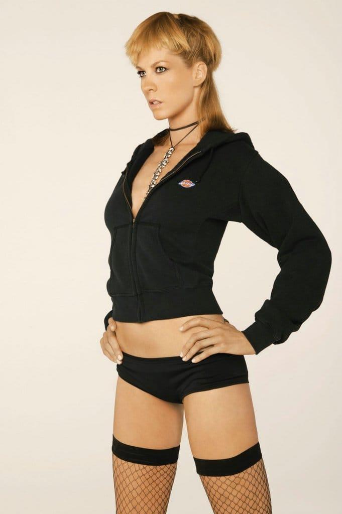 Jenna Elfman hot pics