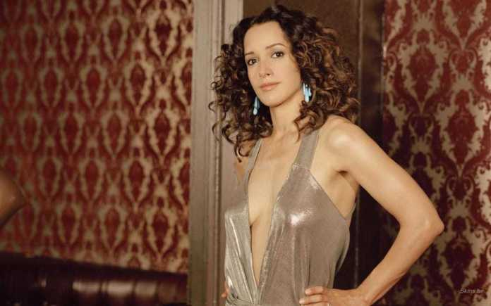 41 Hot & Sexy Pictures Of Jennifer Beals | CBG
