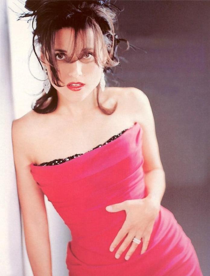 Julia Louis-Dreyfus sexy look