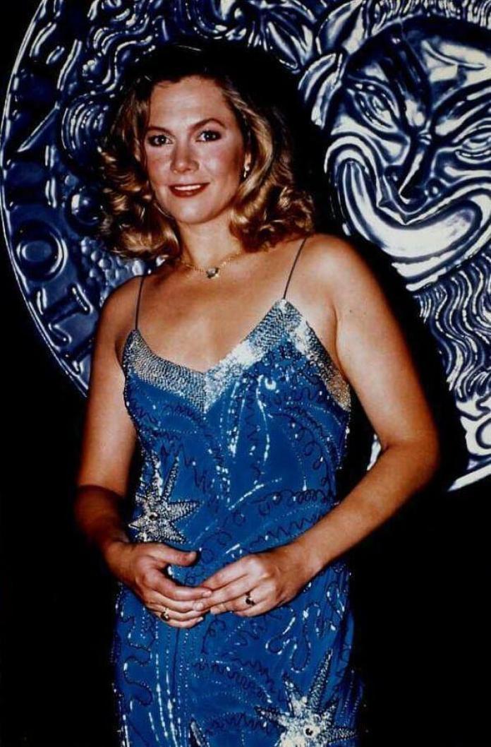 Kathleen Turner hot pics