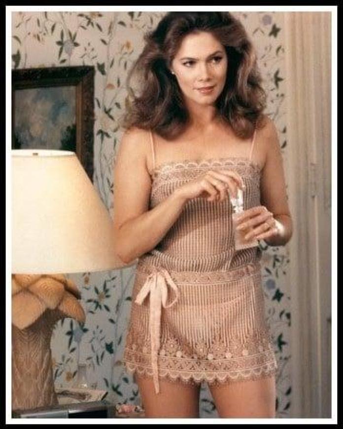 Kathleen Turner sexy look