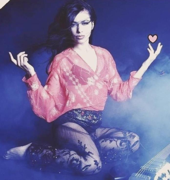 Susanna Hoffs hot pics