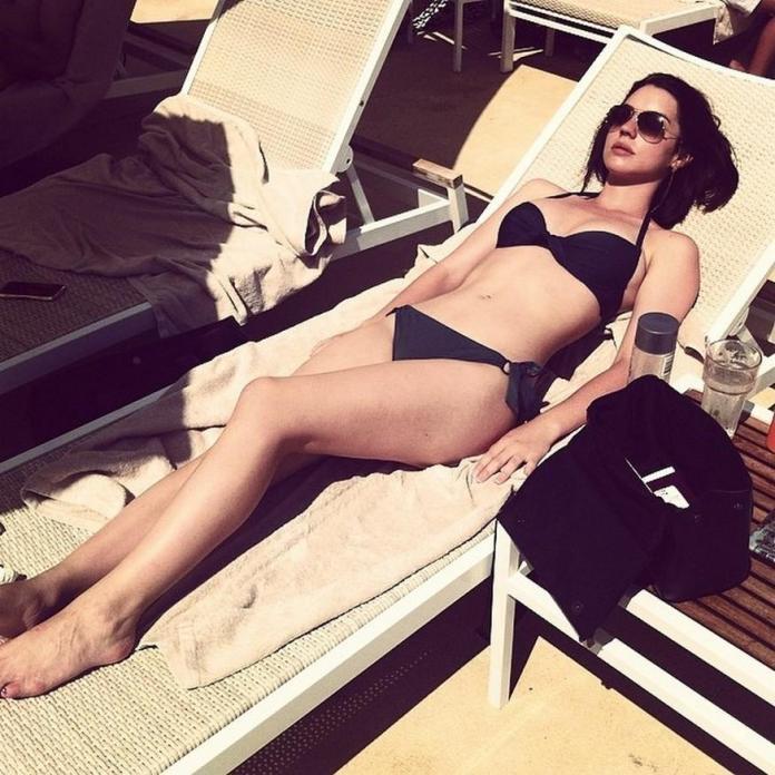 Adelaide Kane sexy pic