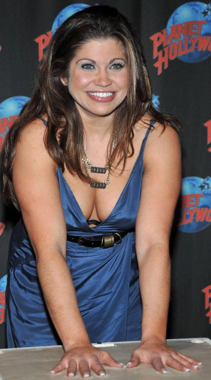 Danielle Fishel hot