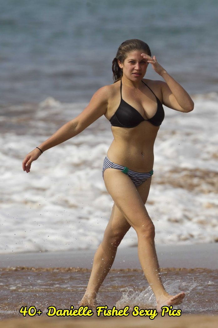 Danielle Fishel sexy pictures