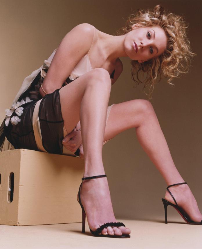 Elizabeth Mitchell sexy p[ics