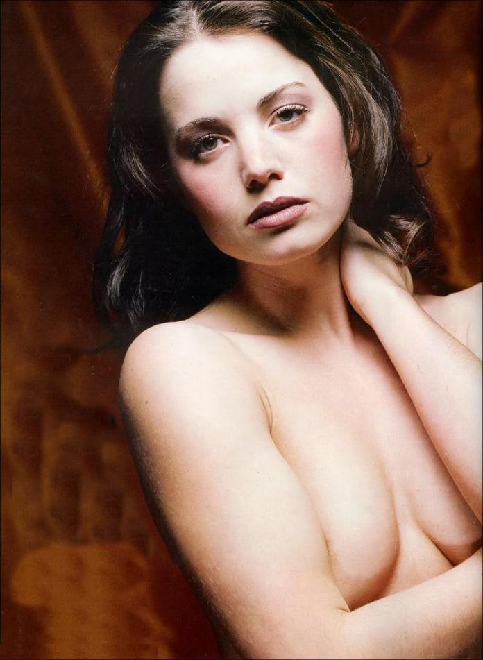 Erica Durance hot