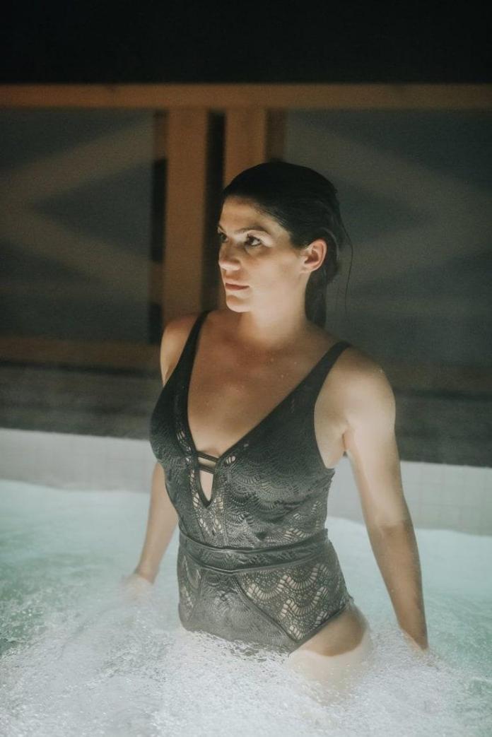 Genevieve Padalecki sexy look
