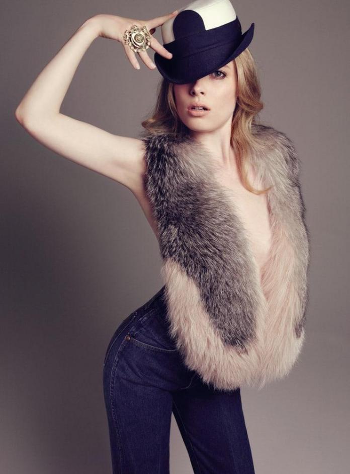 Gillian Jacobs hot