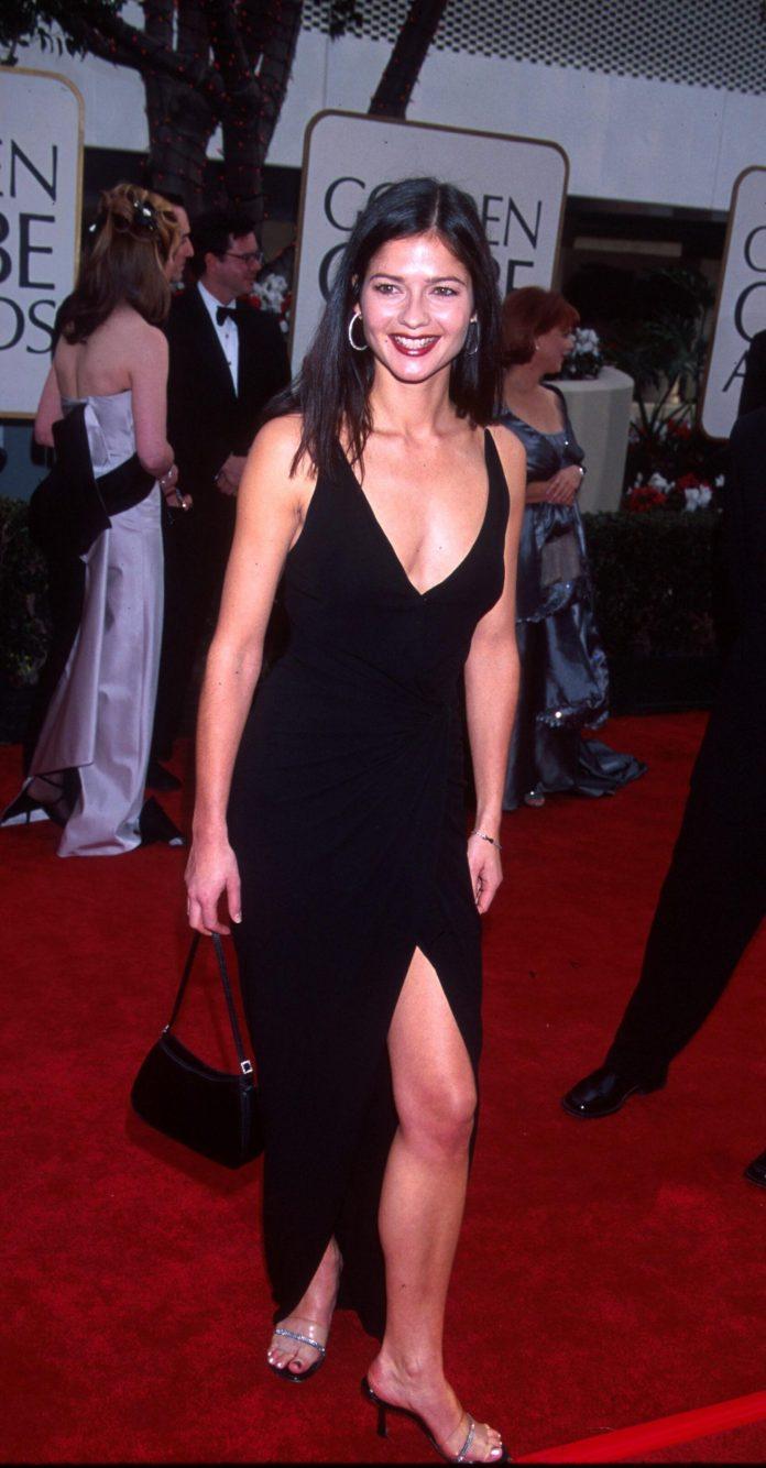 Jill Hennessy sexy pics