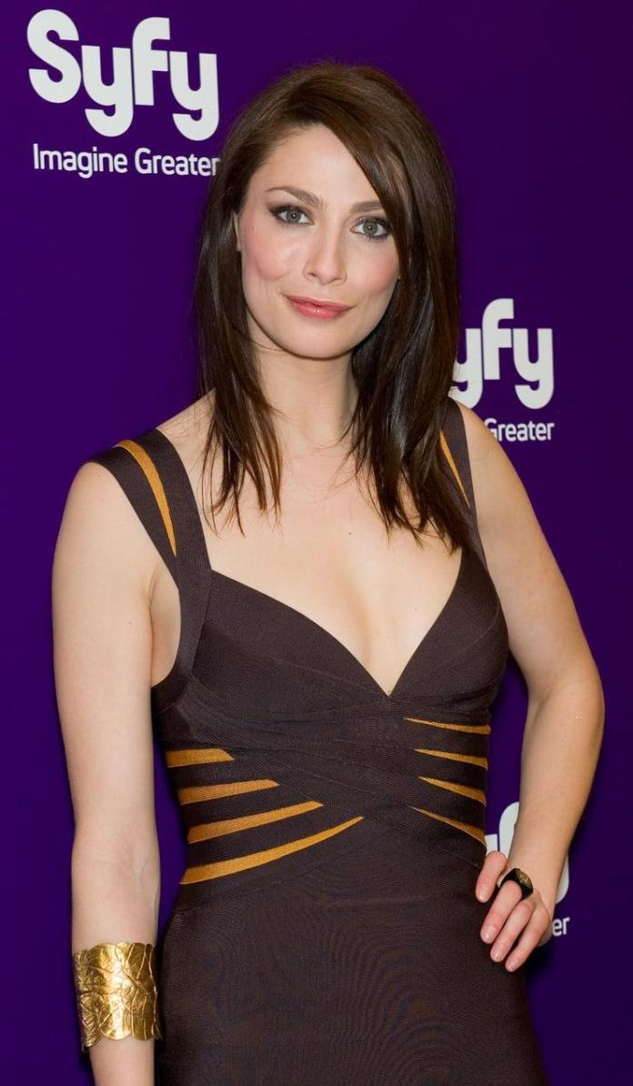 Joanne Kelly sexy pic