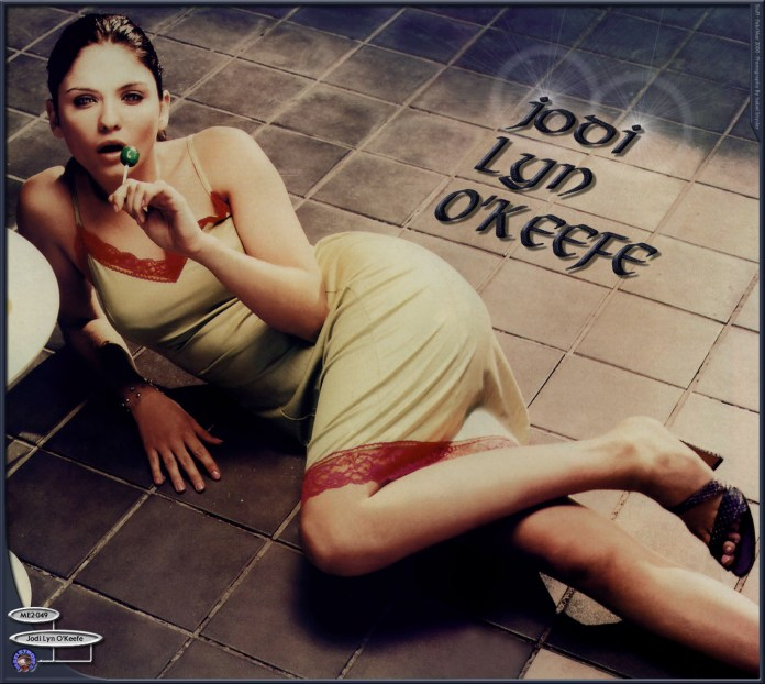 Jodi Lyn O'Keefe sexy pics