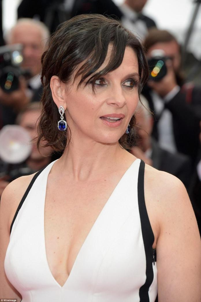 Juliette Binoche sexy look