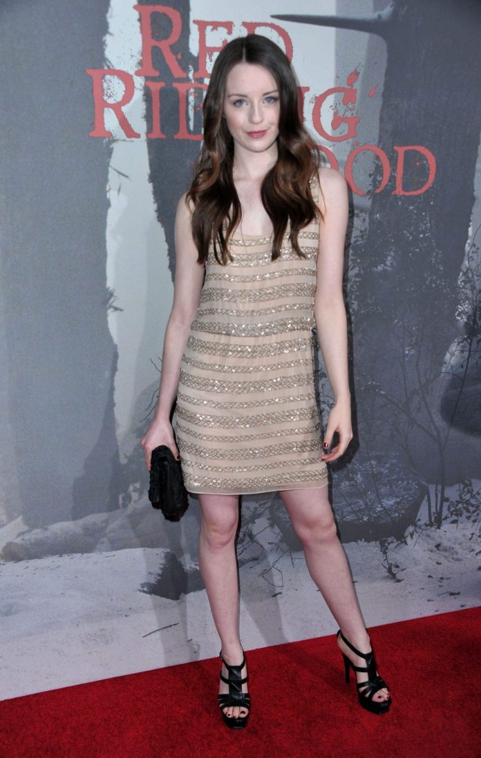 Kacey Rohl hot pic