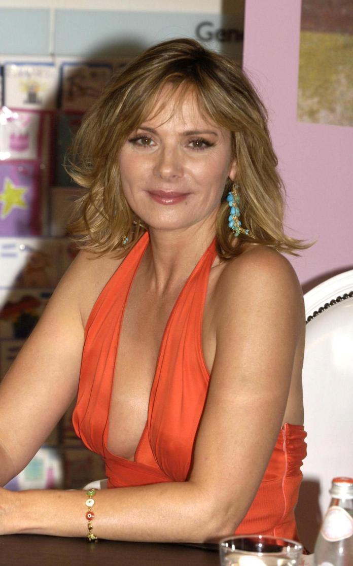 Kim Cattrall sexy pics