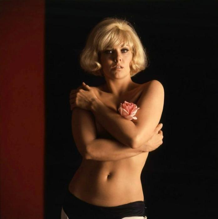 Kim Novak sexy pic