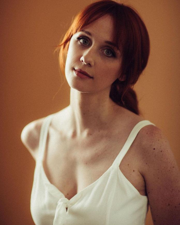 Laura Spencer sexy