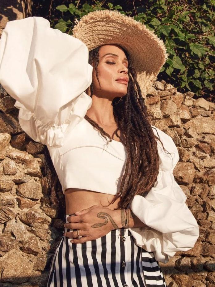 Lisa Bonet sexy pics