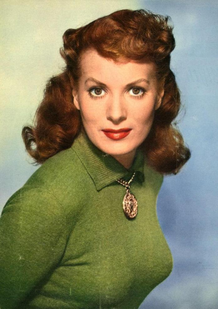 Maureen O'Hara sexy look