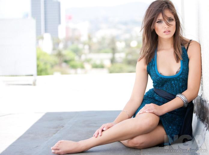Nicole Gale Anderson sexy pics