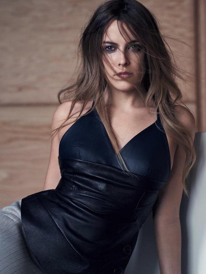 Riley Keough hot look