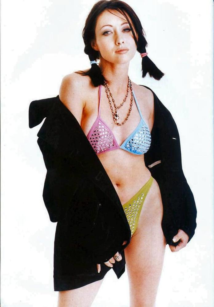 Shannen Doherty hot look