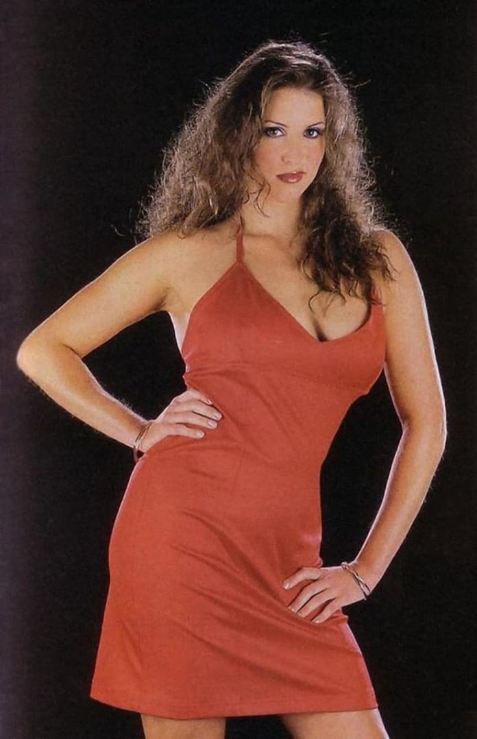 Stephanie McMahon hot pictures