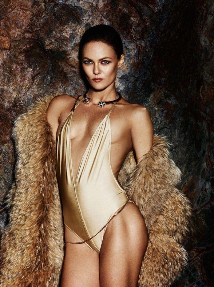 Vanessa Paradis hot look